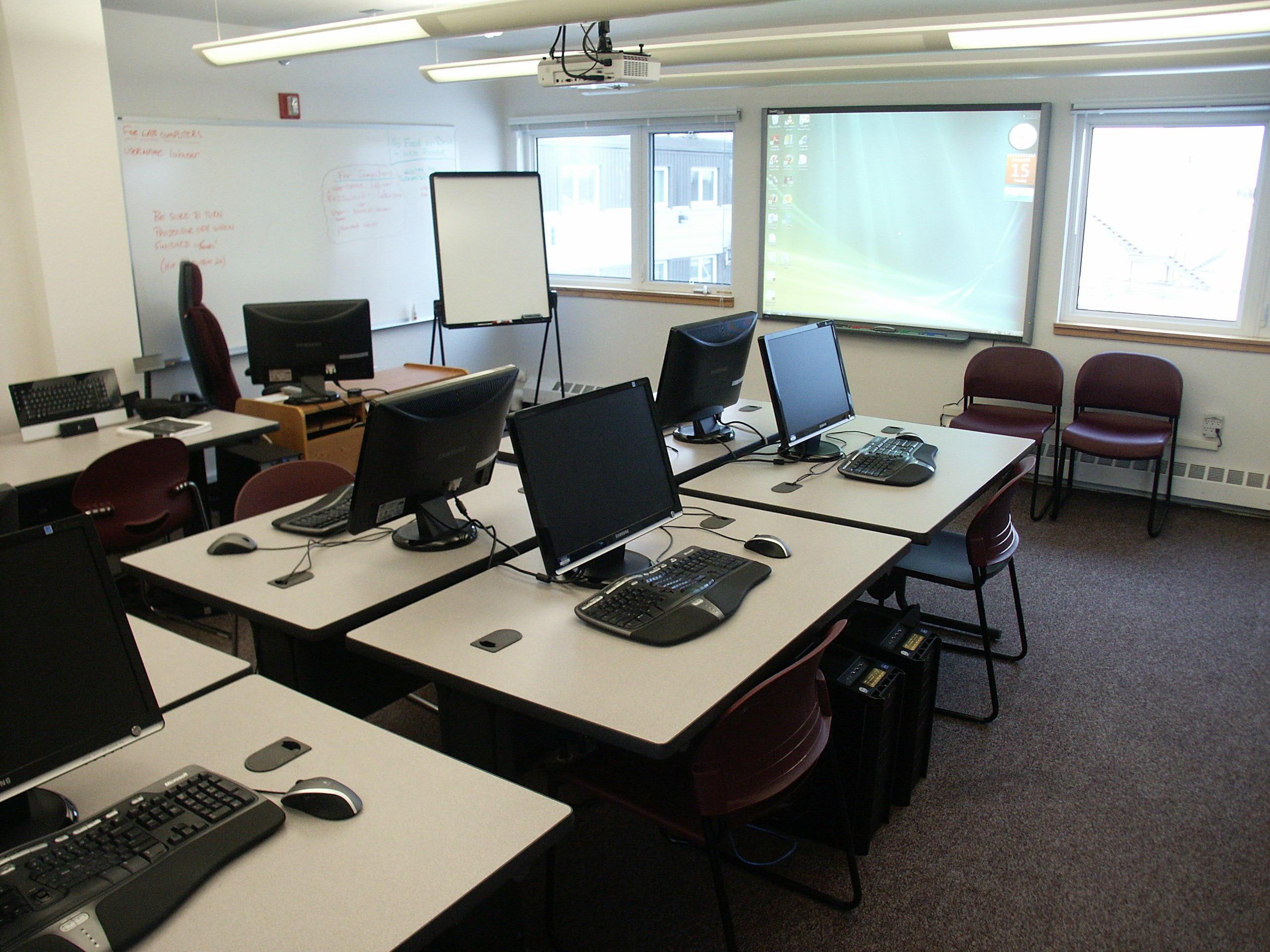 Computer labs southwest alaska vocational education center main computer lab room 253 room capacity 14 computers freerunsca Images